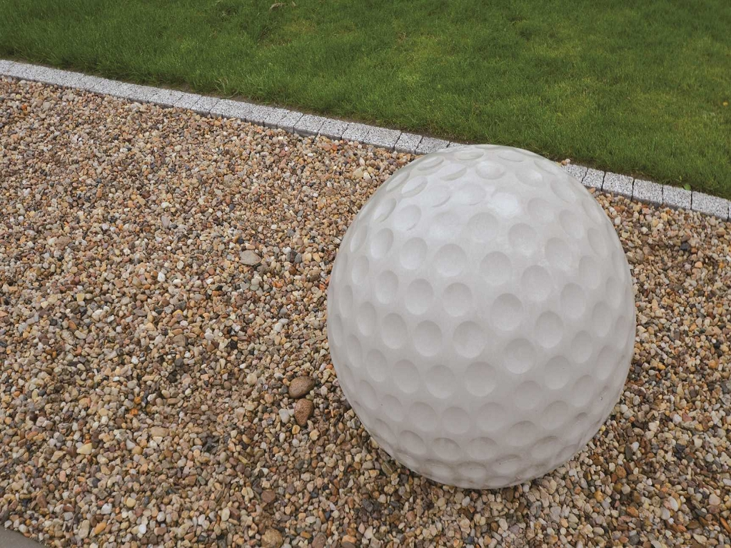 design beton golfball steine im garten shop. Black Bedroom Furniture Sets. Home Design Ideas
